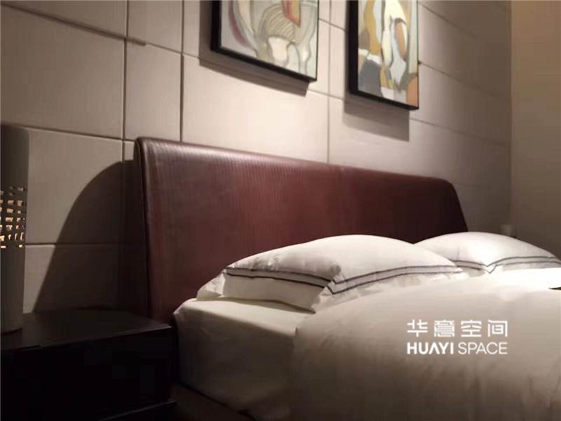 华意空间整体家居简约现代卧室白蜡木实木双人HB113新款床/床头柜