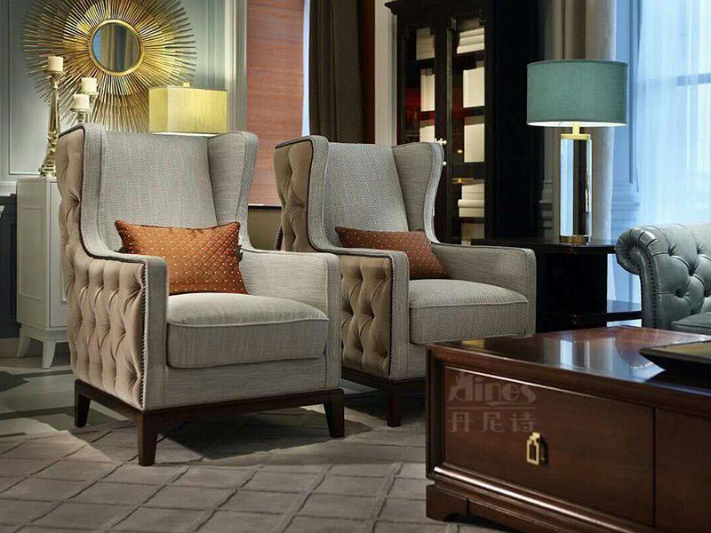 【君诺家居·丹尼诗家具】轻奢客厅实木桃花芯木布艺休闲沙发组合/单人位沙发/老虎椅