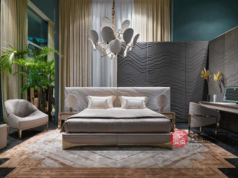 缇思微卡轻奢卧室床轻奢大床软体双人床金属装饰双人床TS006
