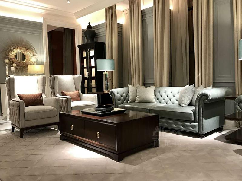 君诺家居·丹尼诗·莱克家具轻奢客厅实木桃花芯木布艺多人位沙发/单人位沙发/茶几/装饰柜/客厅套房
