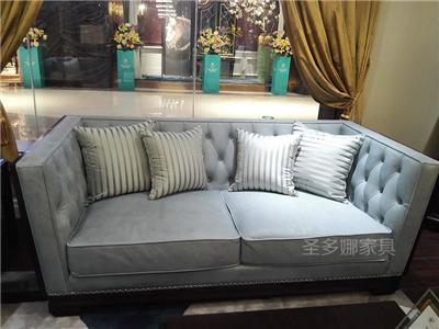 健辉家居·圣多娜轻奢家具客厅新美式桃花芯木实木双人位布艺沙发
